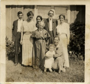 Ernest & Alice Burley  /Hylinda/ Alonzo Hayes  & Elsie Front: Aunt Mamie Dorothy Burley & May Carrie Hayes